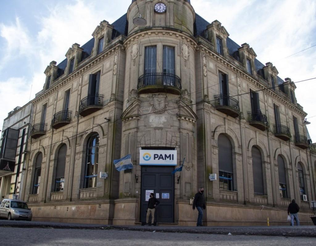 Azul: reabren el Sanatorio con terapistas de PAMI