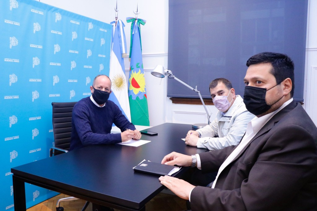 Azul: Bertellys y Vieyra solicitaron dinero para sueldos a la Provincia