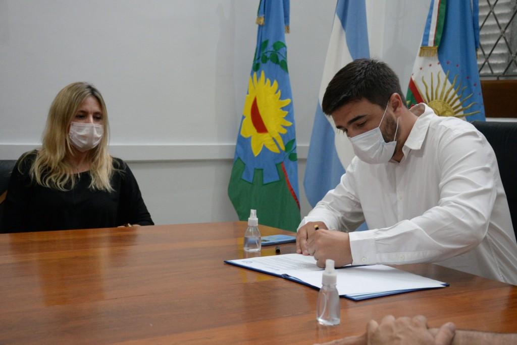 El intendente Ezequiel Galli firmó un convenio con la Facultad de Sociales