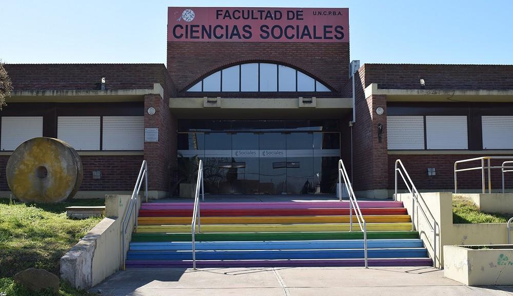 Se encuentra abierta la preinscripción para el ingreso 2022 a las seis carreras de grado presenciales de la Facultad de Ciencias Sociales