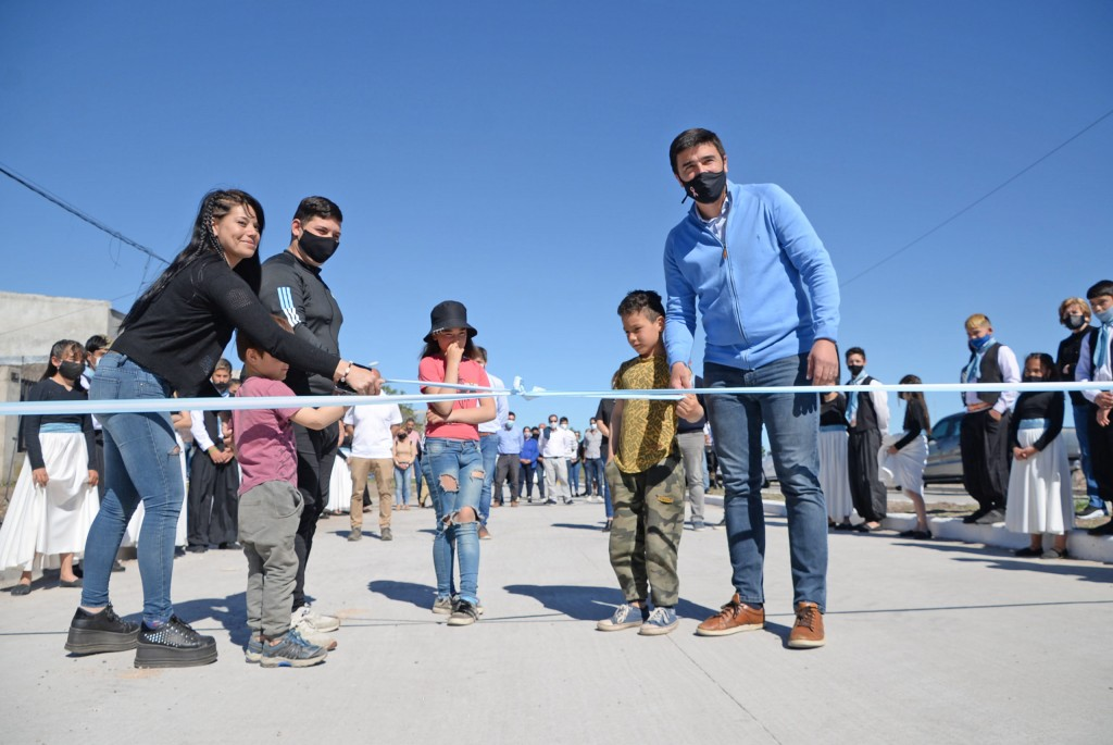 El intendente Galli inauguró la obra de pavimentación de la avenida Pueyrredón