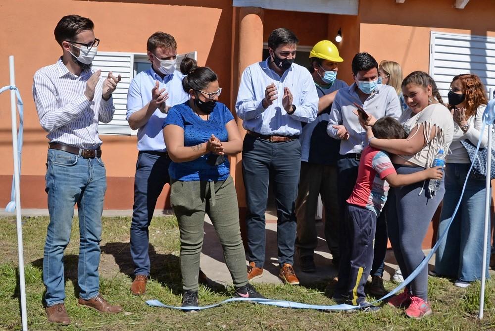 Barrio UOCRA: en un emotivo acto se realizó la entrega de las últimas 16 viviendas