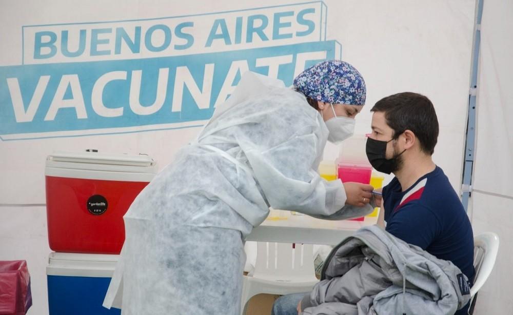 Campaña de vacunación: este martes se vacunaron 703 personas, 579 de ellas fueron menores de 13 a 17 años