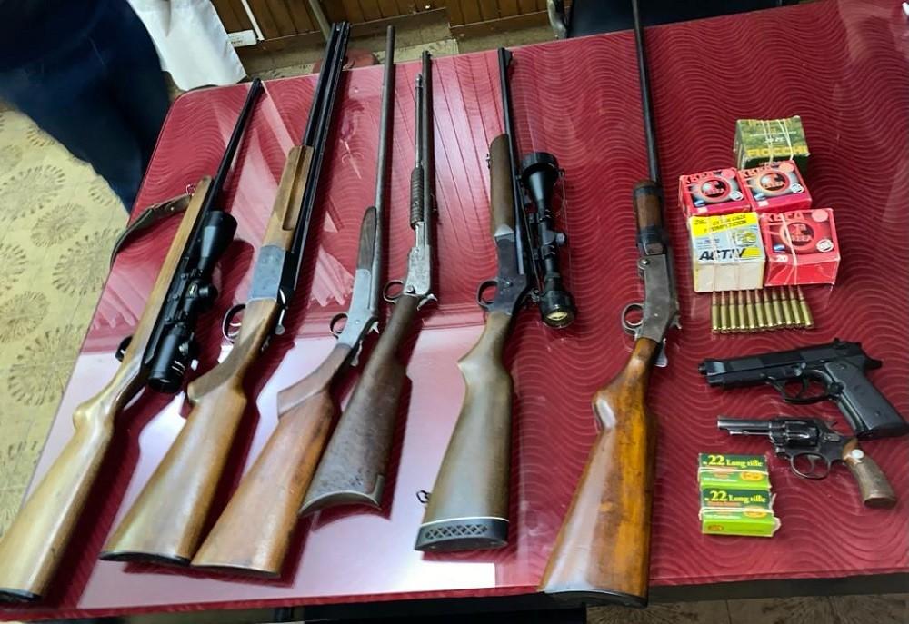 Secuestran gran cantidad de armas en un allanamiento