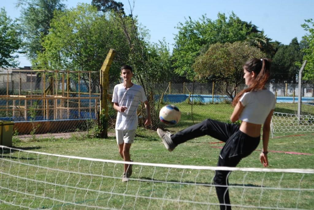 Fútbol Tenis en el Bioparque Municipal