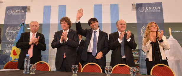 Boudou y Bossio inauguraron la biblioteca central de la UNICEN