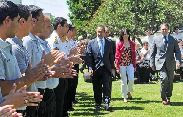 El gobernador Scioli en la  distinción a futuros agentes penitenciarios