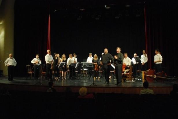 Un gran concierto de Claudio Céccoli junto a la Asociación Filarmónica de Olavarría y Orquesta Sinfónica Municipal