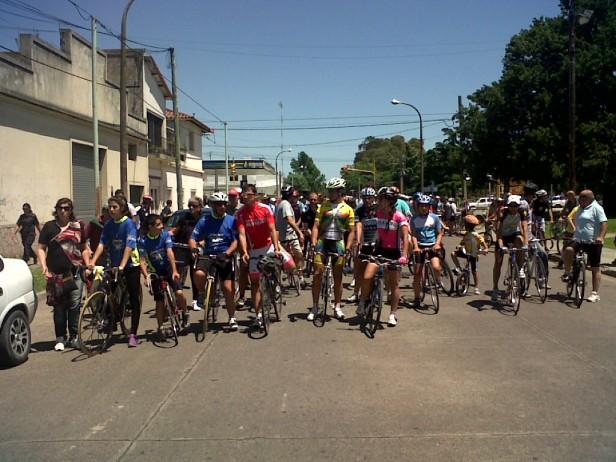 Los ciclistas marcharon por un espacio en donde puedan andar sin peligro