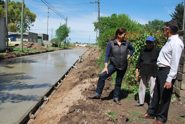 Comenzó la pavimentación en Sierra Chica