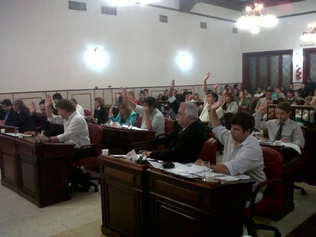 Tras largo debate se aprobó la cesión de terrenos a adjudicatarios del Pro.Cre.Ar