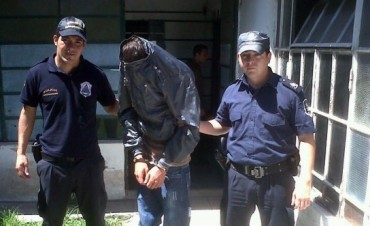 Detienen a un joven por incumplir reglas de libertad condicional