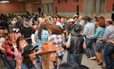 Fiesta Country para el Cierre de los Programas Municipales de Gimnasia, Acqua y Natación