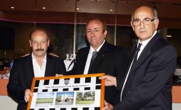 Azul: Inza acompañó al club Alumni en el festejo de los 100 años