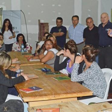 Azul: Con el objetivo de mejorar el servicio en nuestra ciudad, comenzó el Curso de Mozos y Camareras