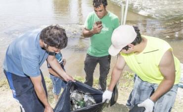 Gran participación en una nueva limpieza del Arroyo Azul