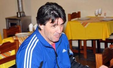 Claudio Otermín dejó de ser el técnico de Ferro
