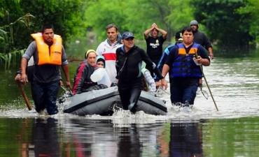 7000 damnificados en Luján damnificados por el río