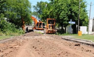 El Gobierno Municipal realiza trabajos previos a la pavimentación en un sector de Villa Maylín