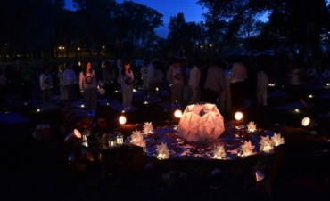 Más de 200 olavarrienses en el Saludo a la Luna