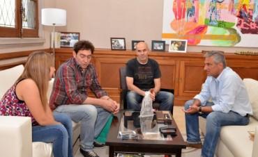 José Eseverri recibió a representantes de la Fundación Estrellas Amarillas en Olavarría
