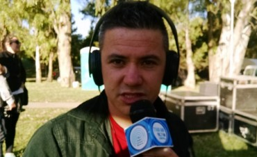 Pancho Fuentes se le anima a la música latinoamericana
