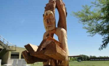 Se emplazará en Ingeniería una escultura homenaje al conocimiento