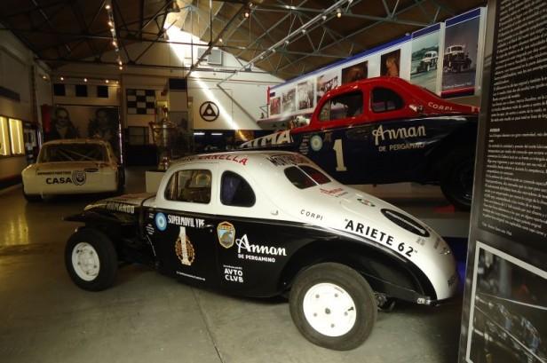 Continúa la exposición de autos de colección en el Museo Emiliozzi