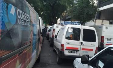 Paro de fleteros del Correo Argentino afecta la llegada de correspondencia al interior