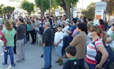 Vecinos de Hinojo marcharon por el Hospital