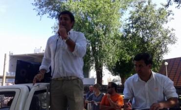Remate Alfredo Mondino, con Ezequiel Hourcade ayer, en Olavarría