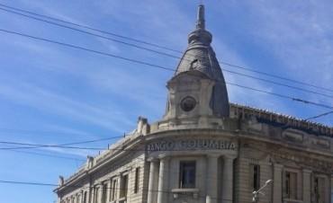 ' No se puede entender la fachada del ex Banco Edificadora sin la cúpula y sin el reloj'