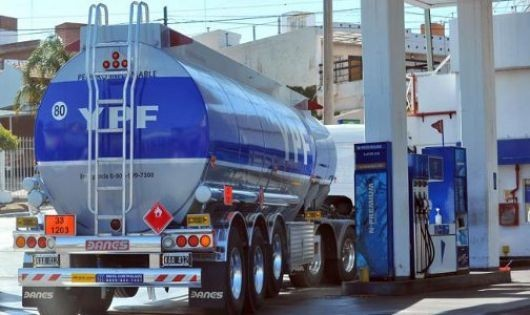 YPF baja 1,5% el precio de los combustibles