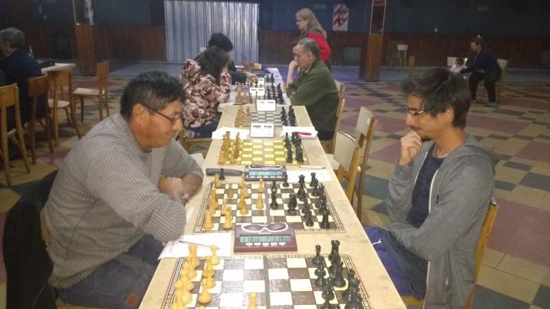 Ajedrez:Luciano Izarriaga y Martin Ponce , punteros