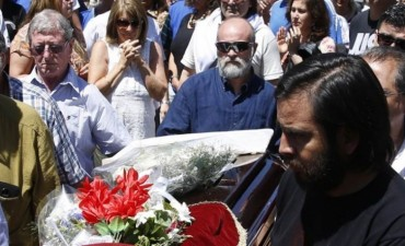 En 25 de Mayo, emotivo adiós a Santiago Maldonado