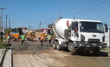 Continúan los trabajos de repavimentación en Loma Negra