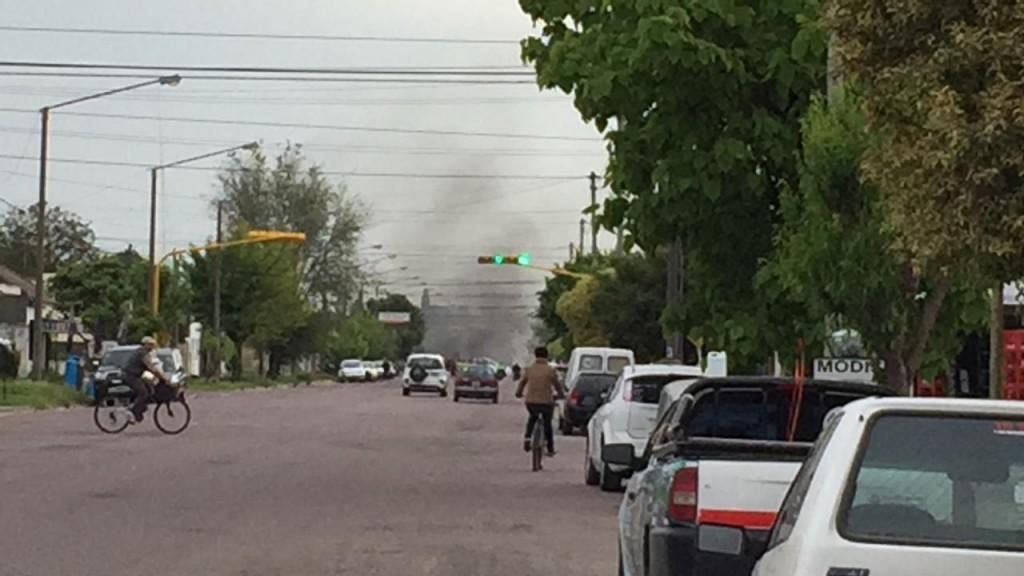 Cortaron la Avenida Alberdi por la muerte de un interno de Sierra Chica