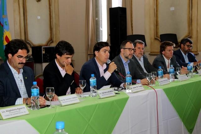 """La provincia formalizó la puesta en marcha del """"consejo de monitoreo para las pymes"""""""