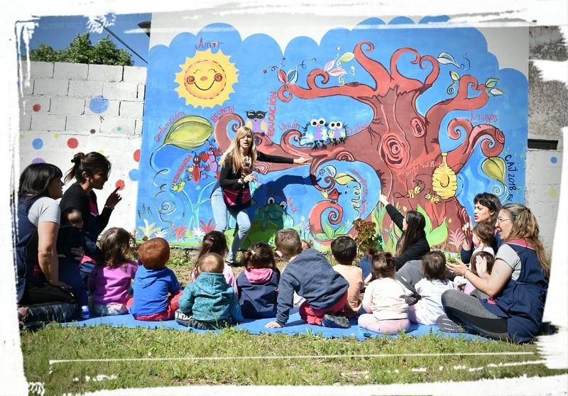 Realizaron un mural en el Jardín Maternal Ardillitas