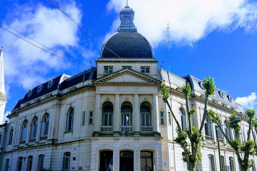 El Municipio adelantó el pago de los sueldos de noviembre