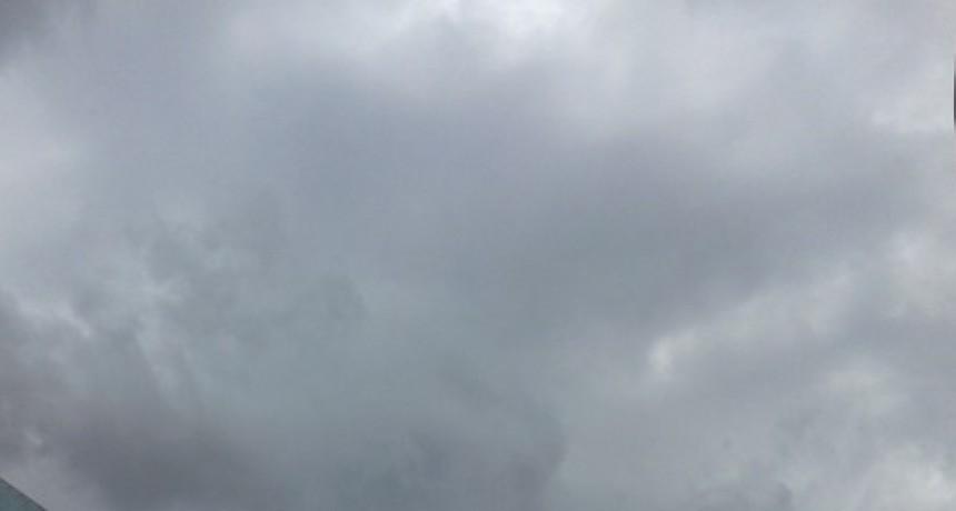La lluvia trajo variadas suspensiones