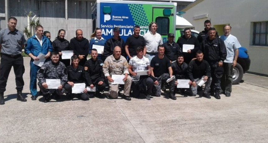 Agentes de la Unidad N°17 finalizaron el curso de RCP y primeros auxilios