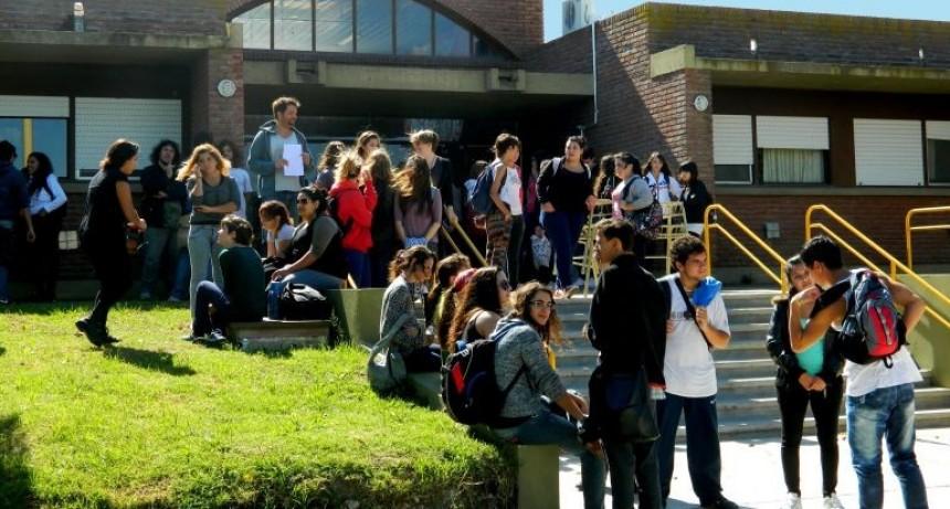 Taller de acompañamiento para estudiantes de primer y segundo año de las carreras de la UNICEN sede Olavarría