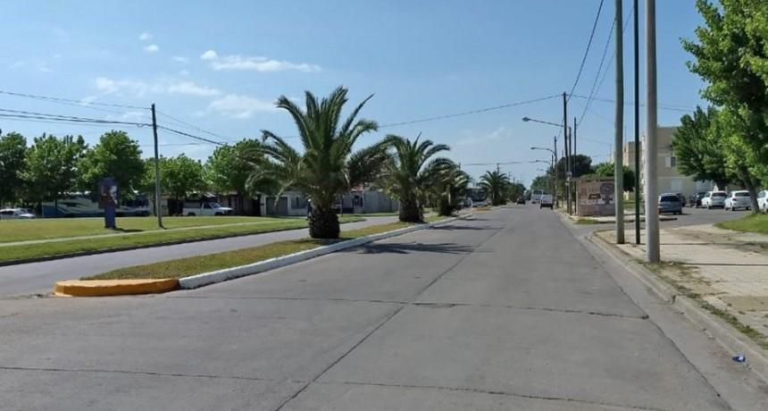 Trabajos de señalización en separadores de las principales avenidas