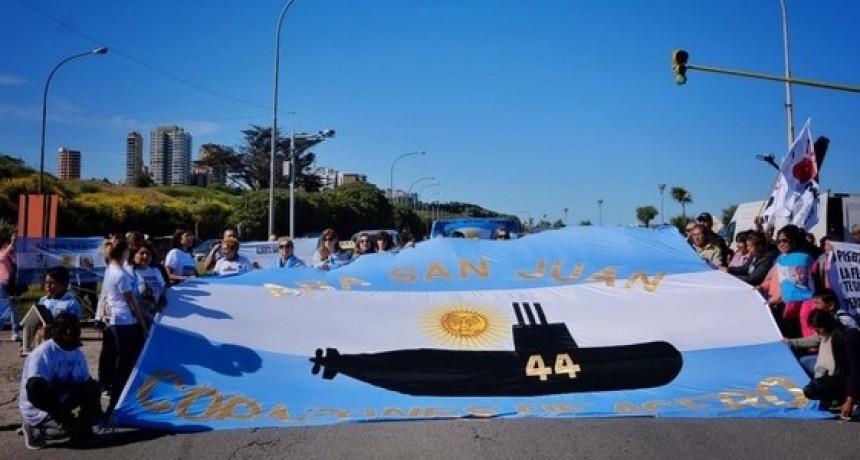 Las razones que hacen imposible el rescate del Ara San Juan, según el Gobierno, la Armada y la Justicia