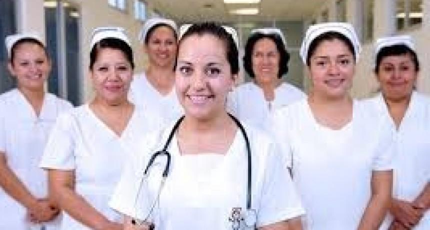 Difunden carreras vinculadas a la salud en Tandil
