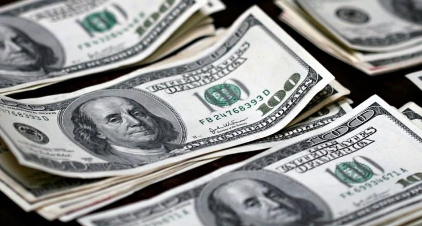 El dólar se dispara más de un peso y alcanza los $ 38,44
