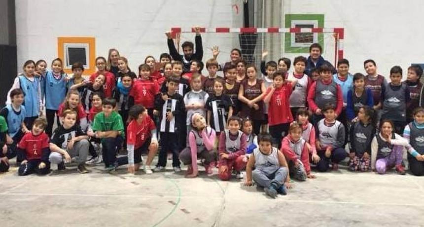Este jueves se realiza el cierre del handball barrial