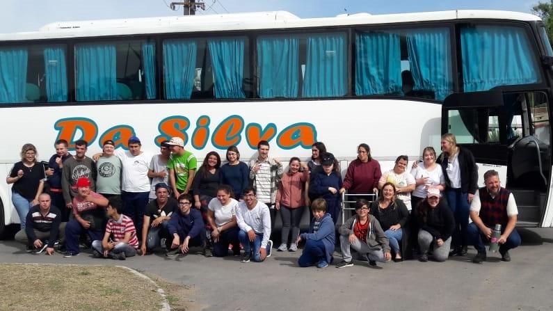 Chicos de La Casa de Helen visitan La Plata