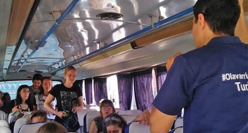 El Bus Turístico Productivo adhiere a los festejos por el aniversario de Loma Negra